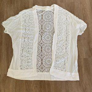 S/s white crotchet cardigan doily design Small